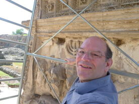 Dr. Steven Fine on scaffolding at the Arch of Titus